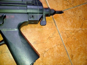 tidak ada popor belakang MP5J